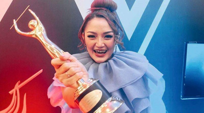 Menang Lagi di AMI Awards, Sibad Tak Mau Besar Kepala