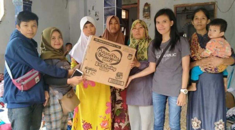 Sibad dan Badriaholic Sumbang Korban Banjir di Lebak, Banten