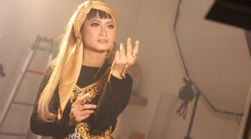 Velline Ratu Begal Bagi Tips Sehat Cegah Corona