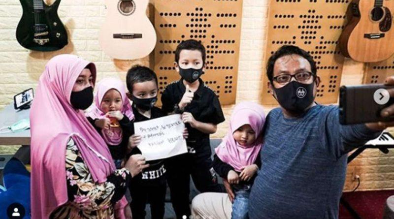 Wali Band Libatkan Anak Istri Untuk Video Klip Paramedis Kalian Hebat