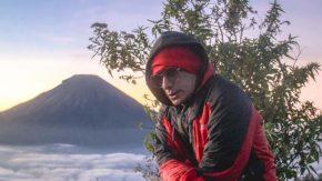 Firman Siagian Eksplor Pegunungan Dieng untuk Konten YouTube