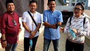 Bawa Ayam Geprek, Fitri Carlina Samperin Wali Band ke Lokasi Syuting