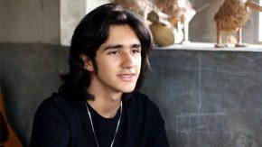 Emilio Cortizo, Berjuang Bagi Waktu Nyanyi dan Akting