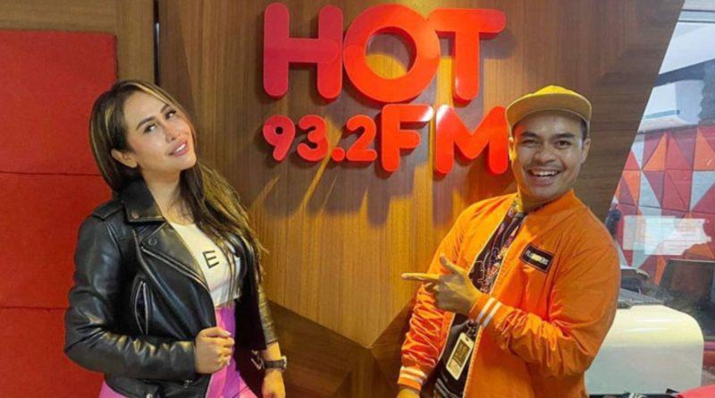 """Sukses Single """"Goyang Henpon"""" Ratu Meta Tak Lepas dari Peran Media"""