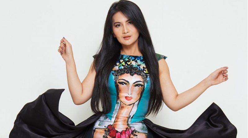 Dianna Dee Starlight, Komentar Netizen Itu Ibarat Panggung Sandiwara