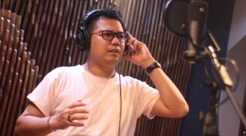 Andrigo Imbangi Range Vokal Tiga Artis Cantik NAGASWARA