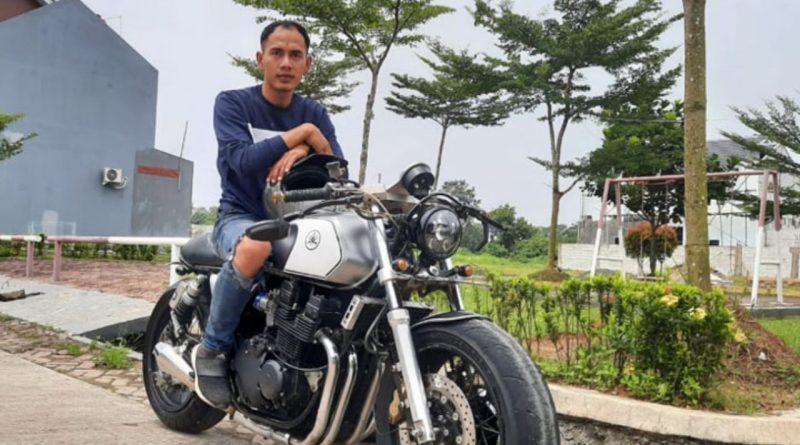 Dauz Merpati Tunggangan Baru Motor Yamaha XJR 400