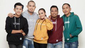 Lagu Merpati Band & Bening Mengudara, Melly Goeslaw Kasih Selamat
