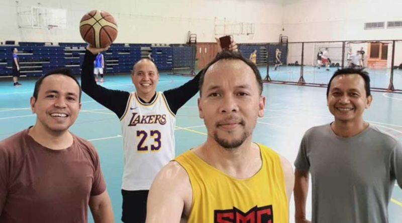 Selain Nyanyi, Ren Tobing Juga Penggila Olahraga Basket