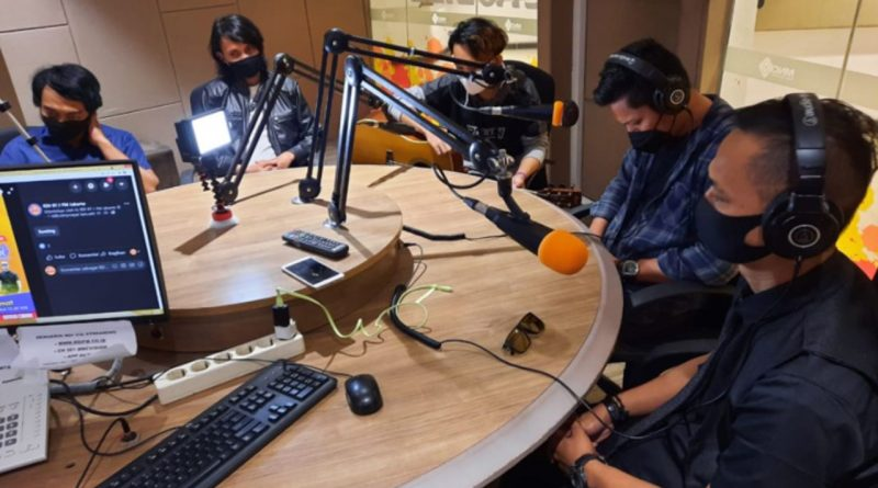 "Serunya Nirwana Band Jadi Juri Final ""Nyayur"" Radio RDI"