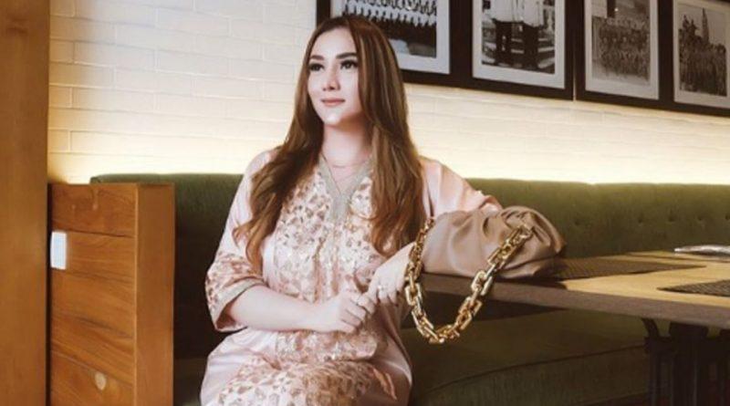 Cintya Saskara, Penyanyi Harus Coba Segala Genre