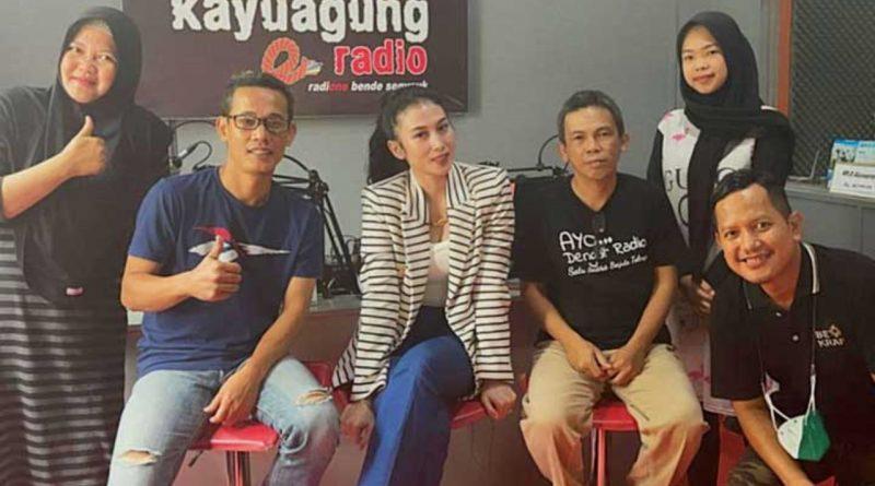 Rilis Lagu Religi, Shella O Visit Media di Kampung Halaman