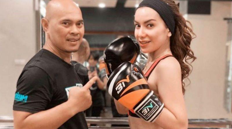 Latihan Boxing, Balena Lampiaskan Kekesalan